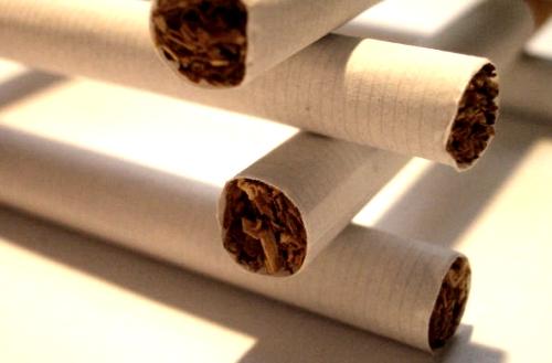 Bacterias, caries y nicotina
