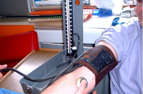 El tratamiento para la enfermedad de las encías reduce la presión arterial
