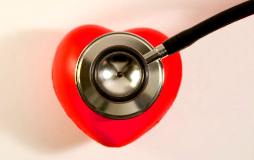 Tratamientos dentales, antibióticos y pacientes cardiacos