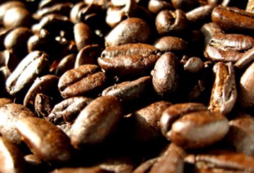 Café; reduciría el riesgo al cáncer de garganta