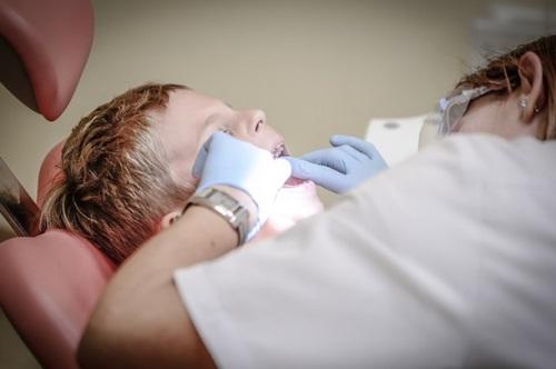 Rellenos dentales, mantenimiento y desgaste