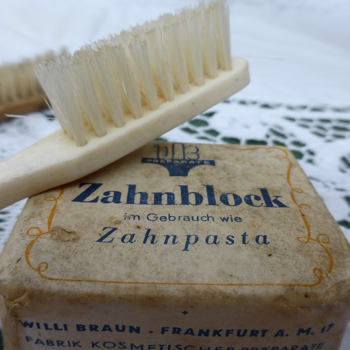 Historia de la pasta dental
