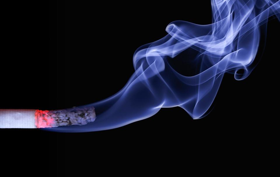 El tabaquismo y los implantes dentales