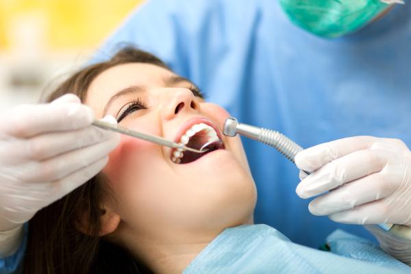 clinicas-dentales-en-arguelles