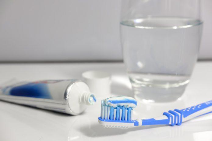 Higiene dental en pacientes con VIH
