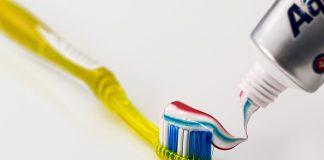 Aprende a reducir el riesgo bacteriano de un cepillo de dientes