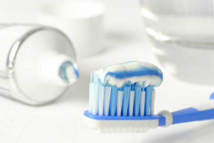 ¿Cómo me cepillo los dientes?
