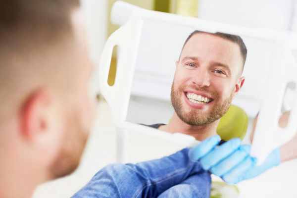 Rutina con ortodoncia Invisalign
