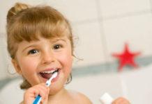 Las comunidades autónomas fomentan las visitas al odontopediatra de los más pequeños