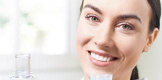 ¿Cómo complementar la limpieza diaria bucal?
