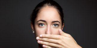 COEA explica las causas más comunes del mal aliento y enseña cómo prevenirlo