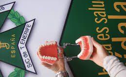 Canarias es la comunidad española con menos clínicas dentales por habitante