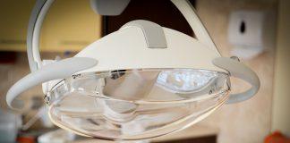 El Consejo General de Dentistas pide al Fiscal General del Estado que tome medidas para evitar el intrusismo profesional