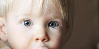 ¿Es un problema el hábito de los niños de succión del dedo?