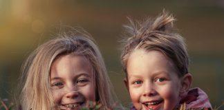 Los niños no se someten a revisiones dentales lo suficientemente pronto, según encuesta internacional de la FDI